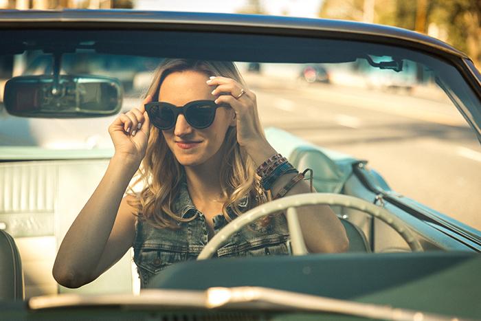 livvyland-blog-olivia-watson-silver-jeans-co-laguna-beach-austin-texas-fashion-blogger-denim-under-100-best-1-denim-on-denim-mustang-convertible-roadtrip-sunglasses-mirror-toms-cateye-sunglasses