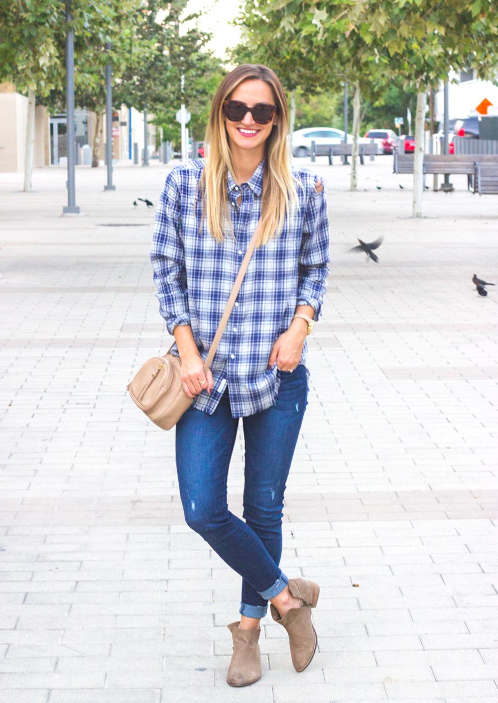 livvyland-blog-olivia-watson-dl1961-emma-barbwire-jeans-blue-shirt-shop-kelly-wynne-dear-512-handbag-4