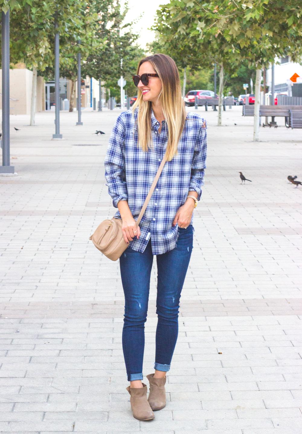livvyland-blog-olivia-watson-dl1961-emma-barbwire-jeans-blue-shirt-shop-kelly-wynne-dear-512-handbag-5