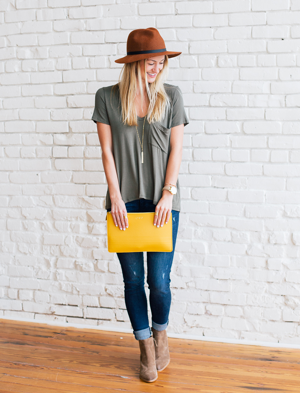 livvyland-blog-olivia-watson-gigi-new-york-saffron-mustard-yellow-clutch-fall-boho-acl-outfit-inspiration-chelsea-laine-francis-photography-2