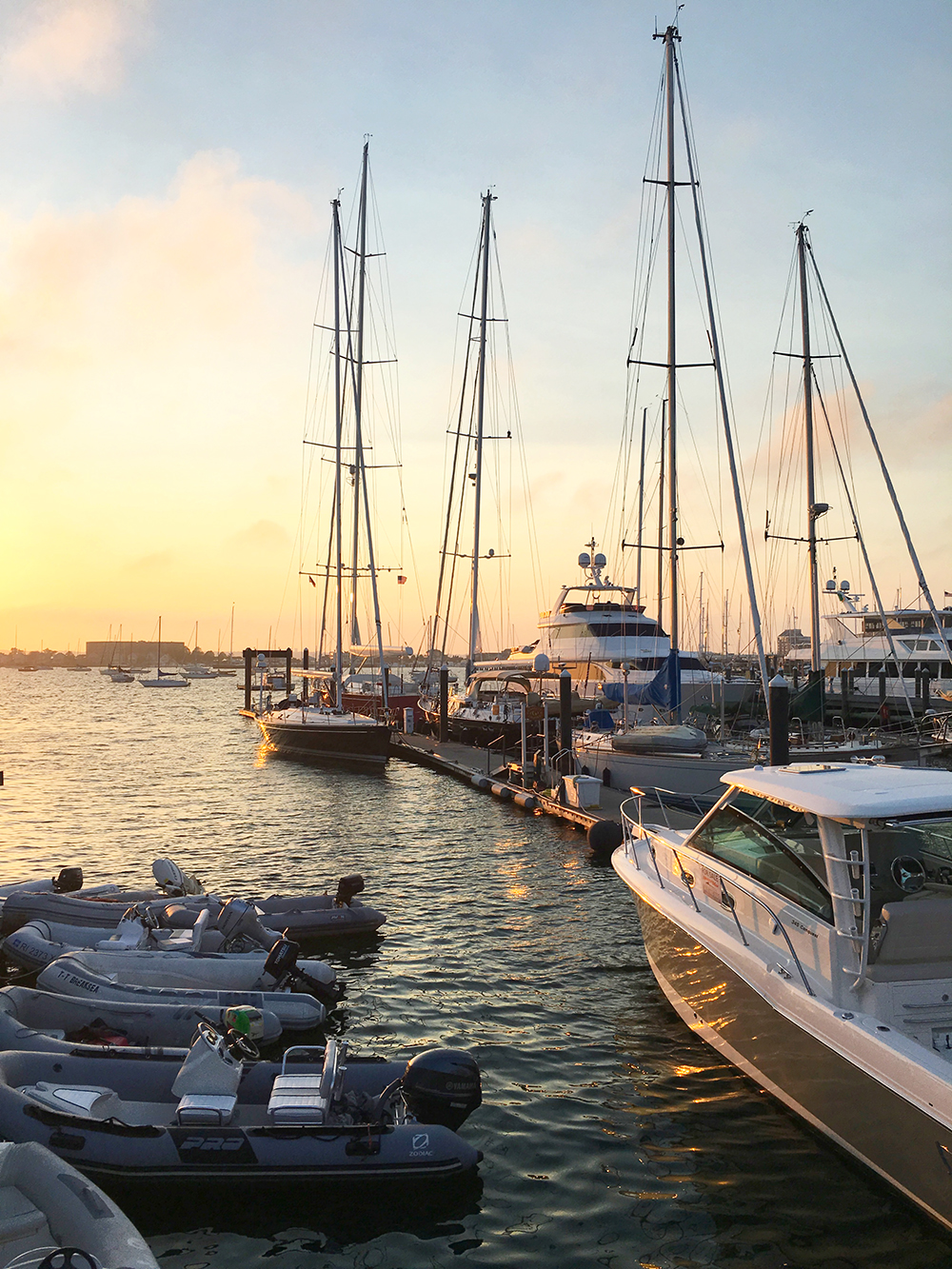 livvyland-blog-olivia-watson-newport-rhode-island-harbor-sailboats-travel-blogger-2