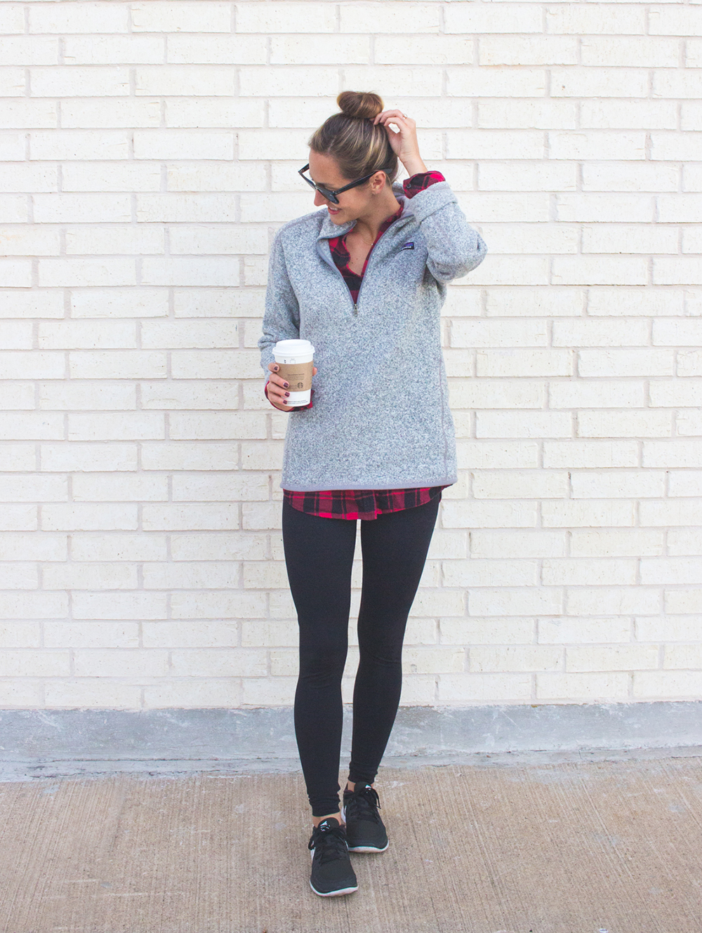 livvyland-blog-olivia-watson-patagonia-fleece-pullover-gray-nordstrom-plaid-layering-zella-live-in-leggings-cozy-exercise-outfit-2