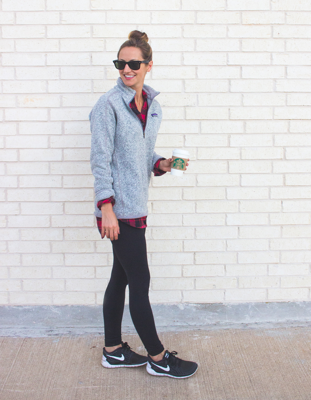 livvyland-blog-olivia-watson-patagonia-fleece-pullover-gray-nordstrom-plaid-layering-zella-live-in-leggings-cozy-exercise-outfit-3
