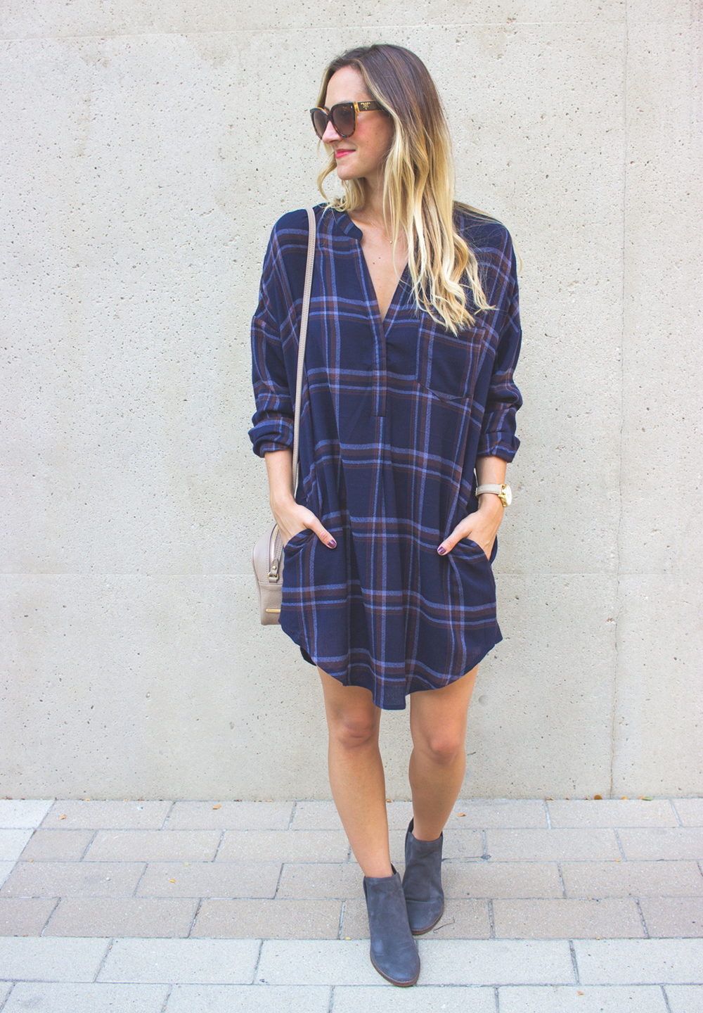 livvyland-blog-olivia-watson-plaid-flannel-shirt-shift-dress-dolce-vita-tesse-blue-suede-ankle-booties-navy-1