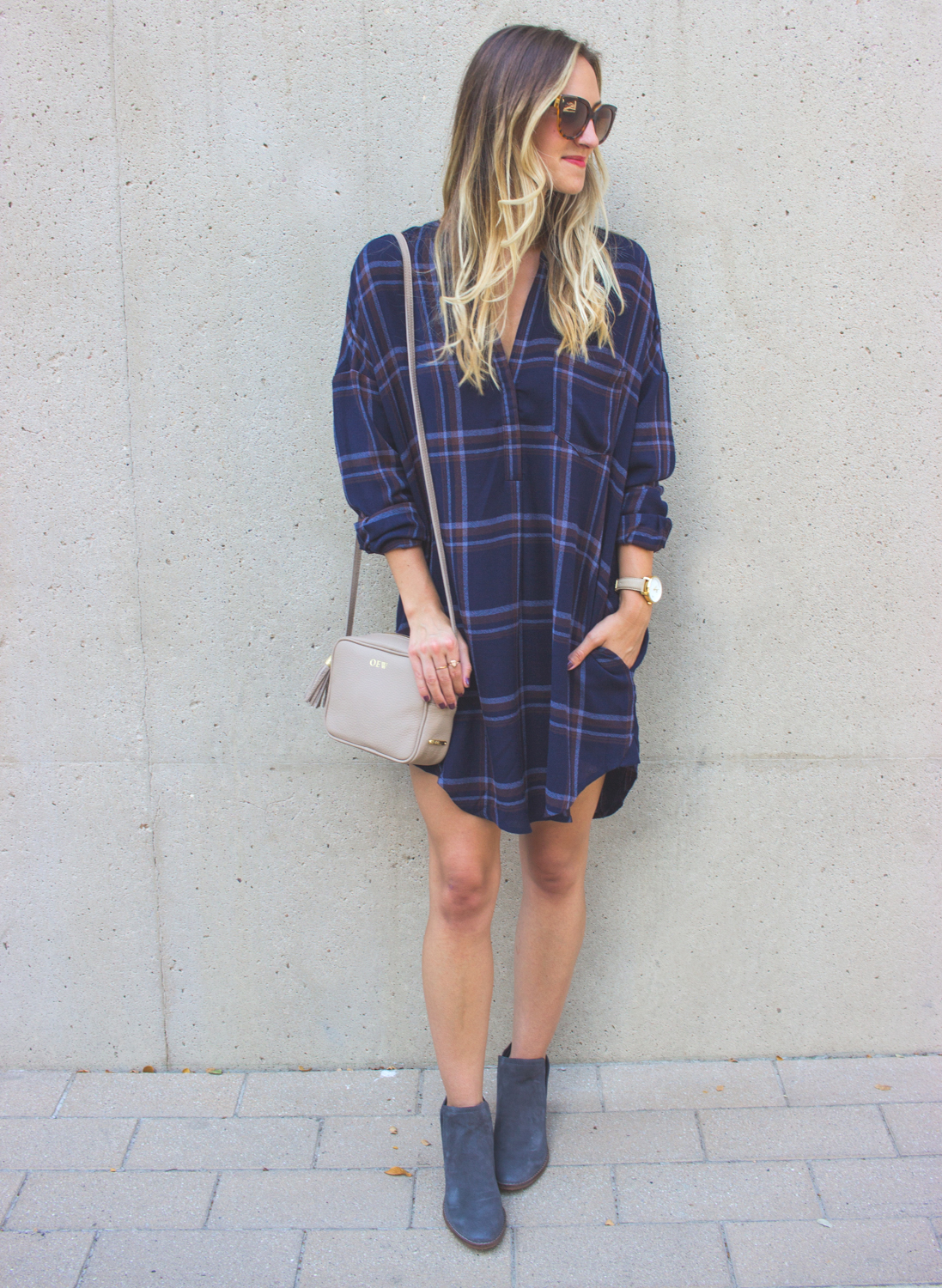 livvyland-blog-olivia-watson-plaid-flannel-shirt-shift-dress-dolce-vita-tesse-blue-suede-ankle-booties-navy-3