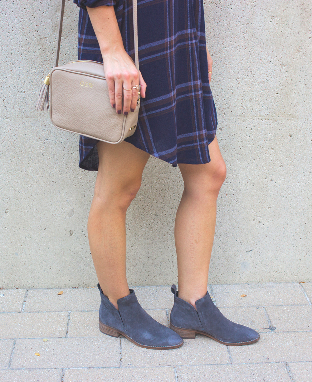 livvyland-blog-olivia-watson-plaid-flannel-shirt-shift-dress-dolce-vita-tesse-blue-suede-ankle-booties-navy-9