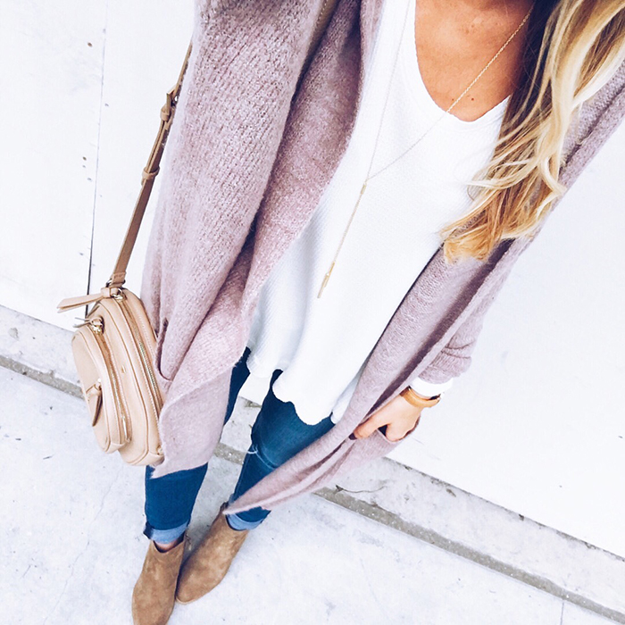 livvyland-blog-olivia-watson-austin-texas-fashion-blogger-fall-outfit-style-blush-cardigan-cozy-outfit
