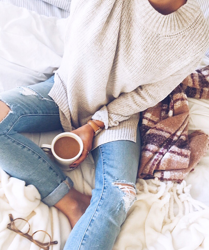 livvyland-blog-olivia-watson-austin-texas-fashion-blogger-fall-outfit-style-cozy-coffee-in-bed-sweater-weather-classy