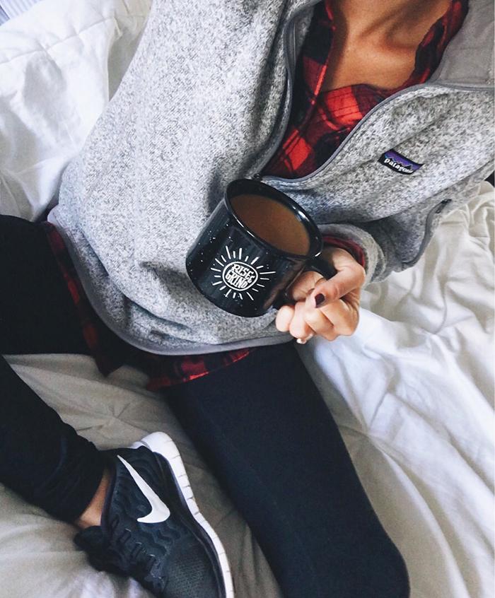 livvyland-blog-olivia-watson-austin-texas-fashion-blogger-fall-outfit-style-sporty-chic-patagonia-buffalo-plaid-nike-leggings