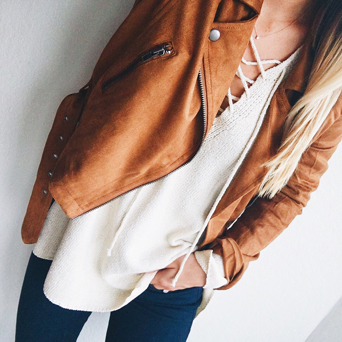 livvyland-blog-olivia-watson-austin-texas-fashion-blogger-fall-outfit-style-tan-suede-moto-jacket-sweater-layers