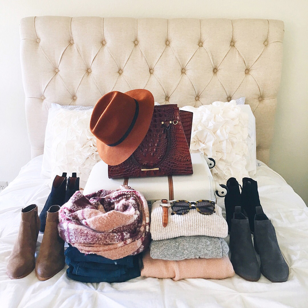 livvyland-blog-olivia-watson-austin-texas-fashion-blogger-fall-outfit-style-what-to-pack-new-england-getaway-vacation-travel