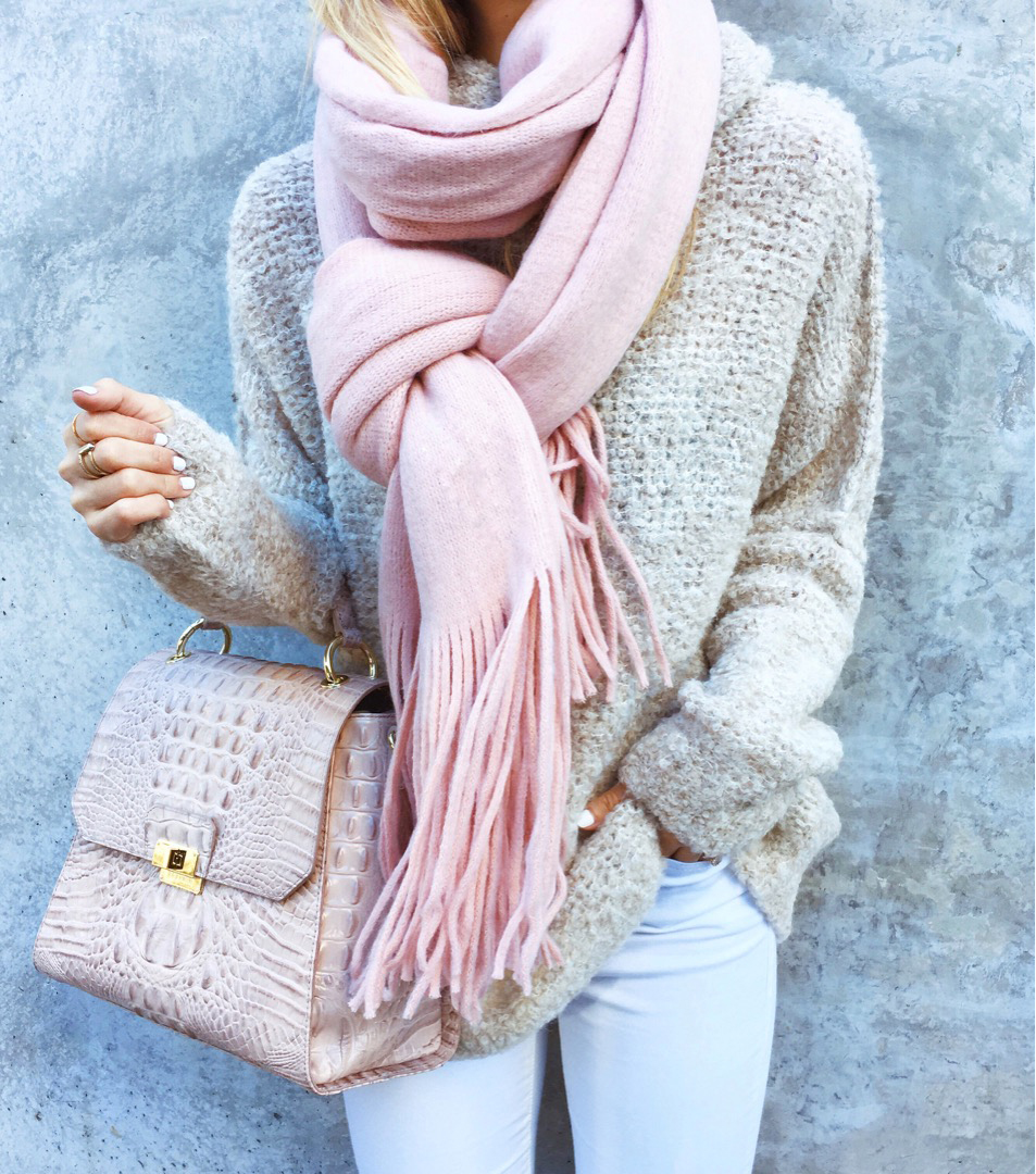 livvyland-blog-olivia-watson-black-friday-sales-instagram-roundup-free-people-blush-pink-fringe-scarf-brahmin-handbag
