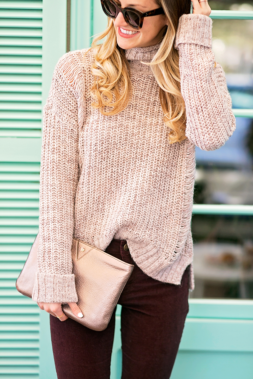 livvyland-blog-olivia-watson-express-cyber-monday-sweater-sale-lauren-vandiver-vandi-fair-cozy-outfit-friend-date-elizabeth-street-cafe-1