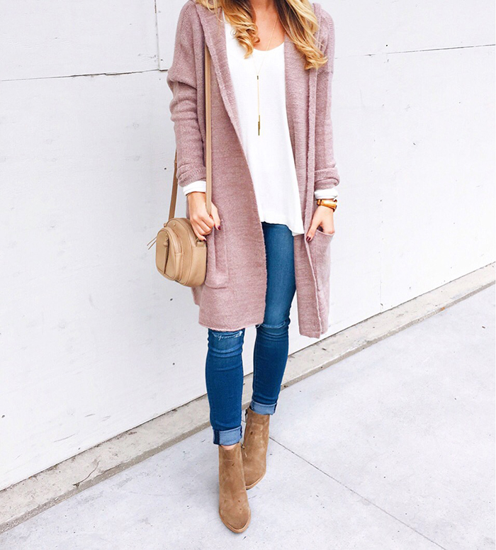 livvyland-blog-olivia-watson-fashion-blogger-austin-texas-fall-cozy-blush-cardigan-layers-outfit-idea
