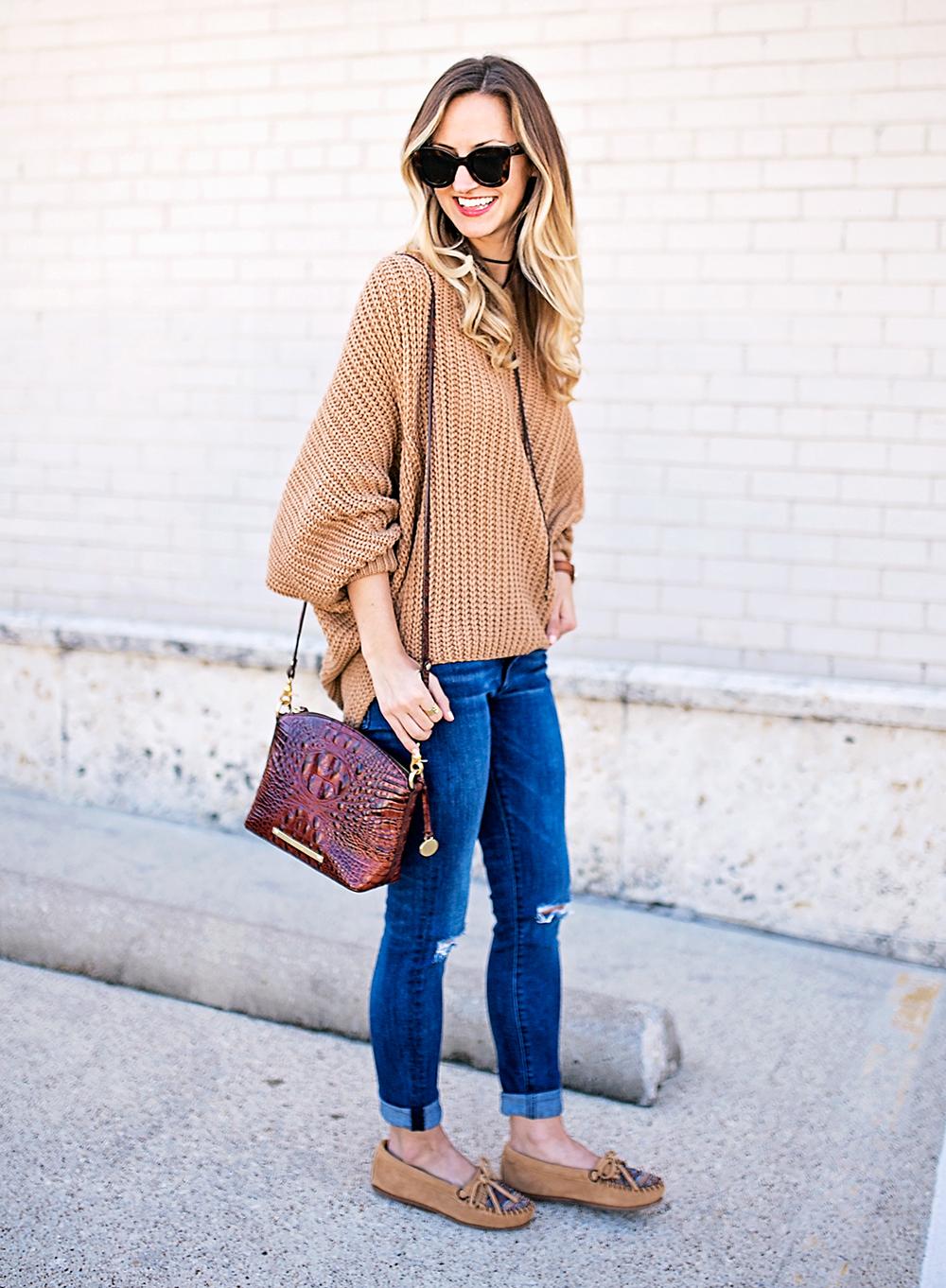 livvyland-blog-olivia-watson-slouchy-oversize-knit-sweater-minnetonka-el-paso-ii-moccasin-boho-outfit-9