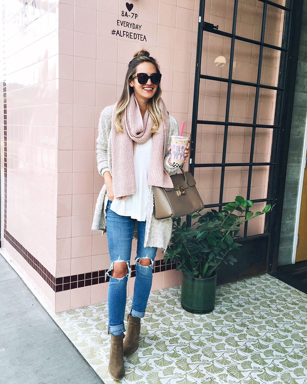 livvyland-blog-olivia-watson-instagram-roundup-december-cozy-blush-pink-knit-scarf-alfred-tea-room-outfit-blogger-los-angeles