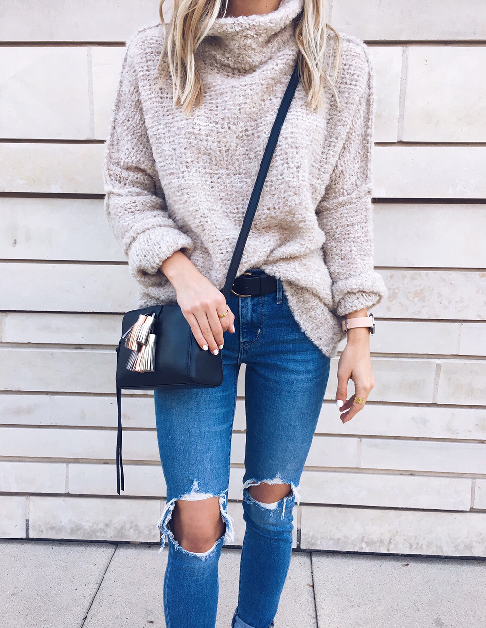 livvyland-blog-olivia-watson-instagram-roundup-december-cozy-free-people-chunky-sweater-rebecca-minkoff-metallic-tassel-handbag