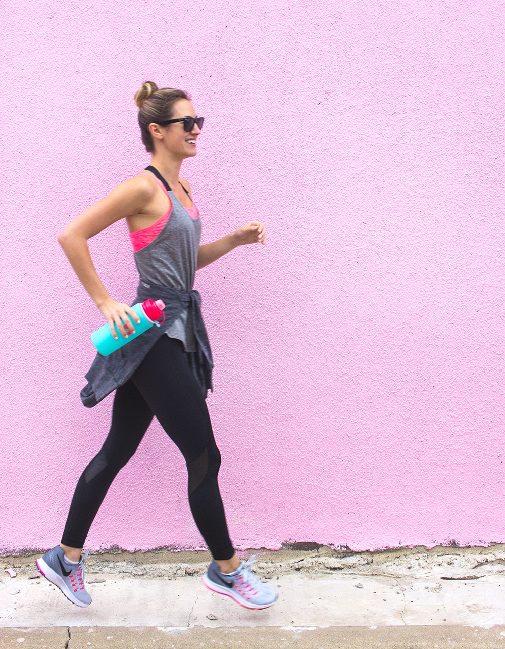 livvyland-blog-olivia-watson-jack-rabbit-nyc-workout-nike-outfit-neon-pegasis-running-shoes-fitness-outfit-inspiration-3