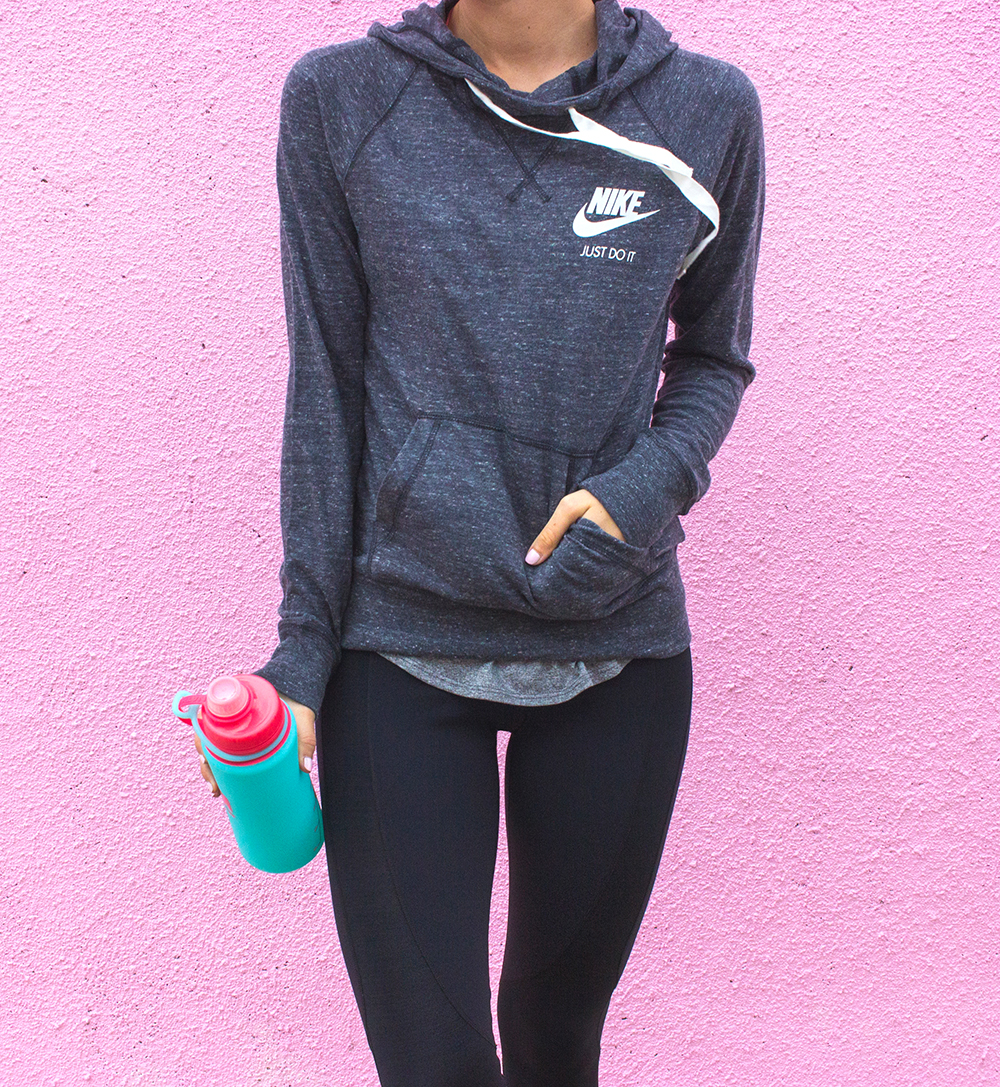 livvyland-blog-olivia-watson-jack-rabbit-nyc-workout-nike-outfit-neon-pegasis-running-shoes-fitness-outfit-inspiration-7