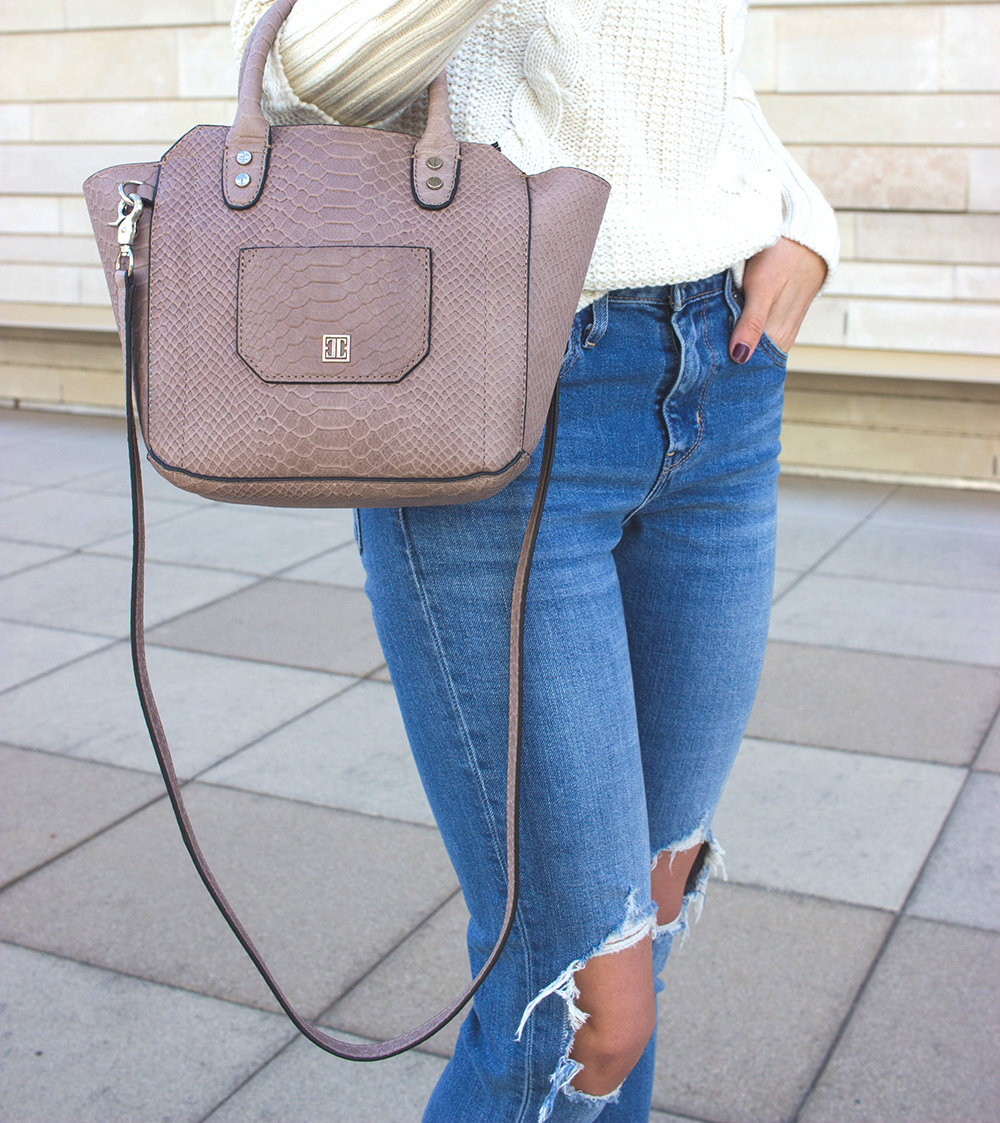 livvyland-blog-olivia-watson-white-cable-knit-sweater-burgundy-suede-pumps-carra-2