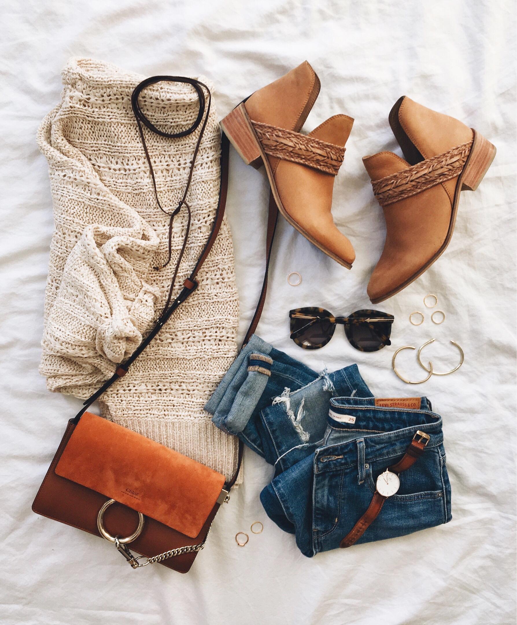 livvyland-blog-olivia-watson-cozy-boho-outfit-oversize-slouchy-sweater-chloe-faye