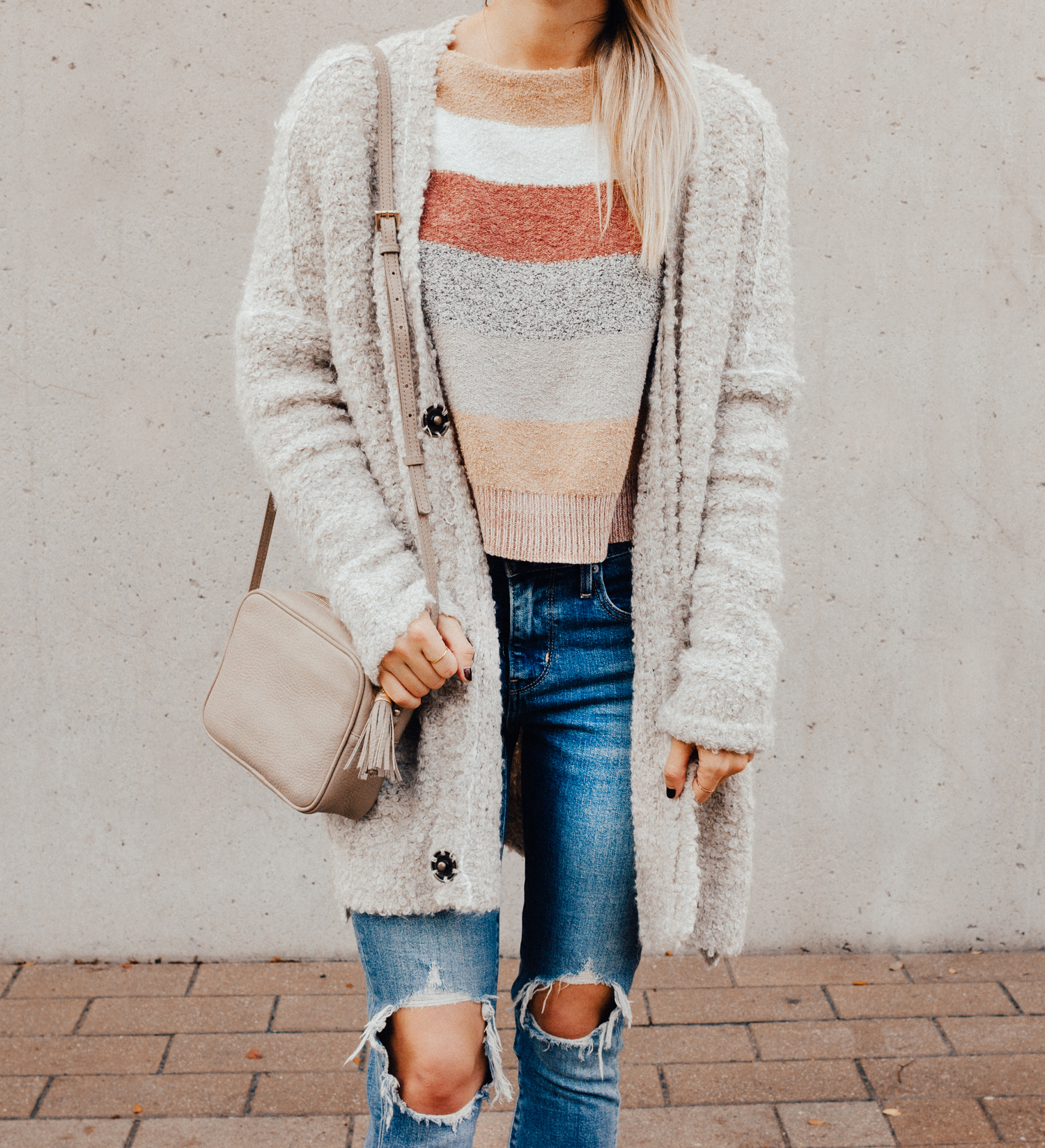 livvyland-blog-olivia-watson-free-people-blush-beige-tan-sweater-tassel-slides-cozy-layers-7