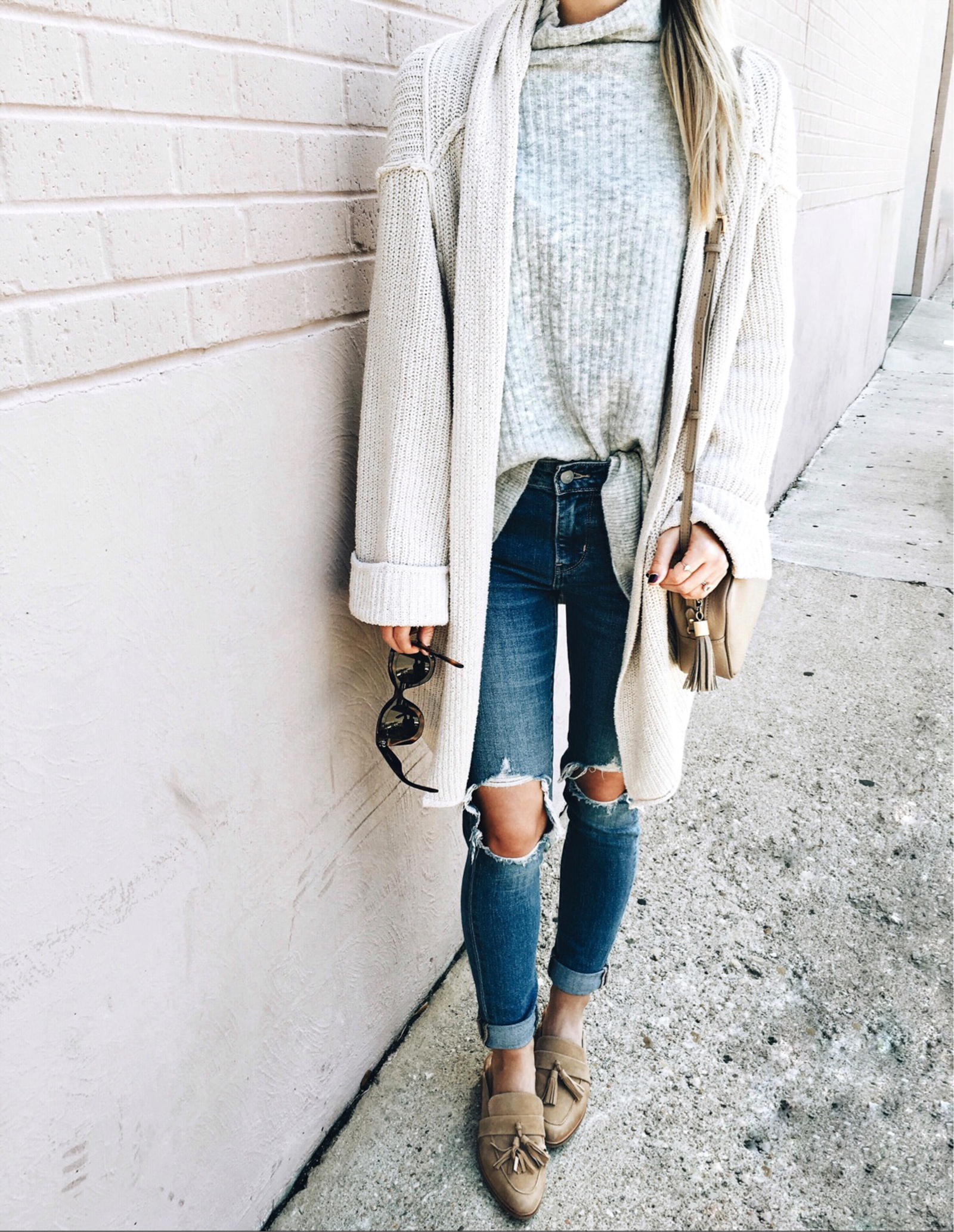 livvyland-blog-olivia-watson-instagram-roundup-austin-texas-cozy-winter-outfit-1