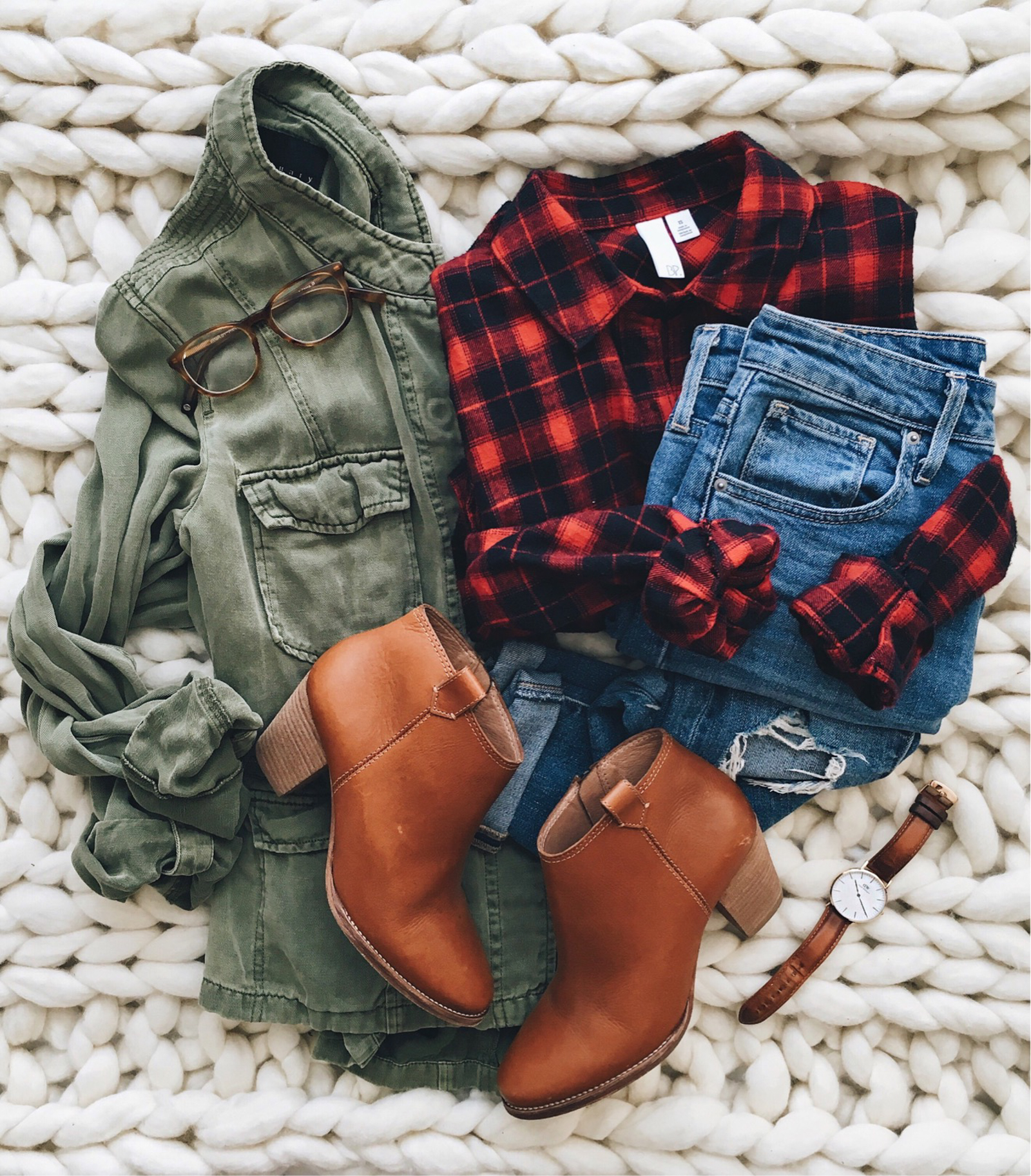 livvyland-blog-olivia-watson-instagram-roundup-austin-texas-cozy-winter-outfit-buffalo-plaid-utility-jacket