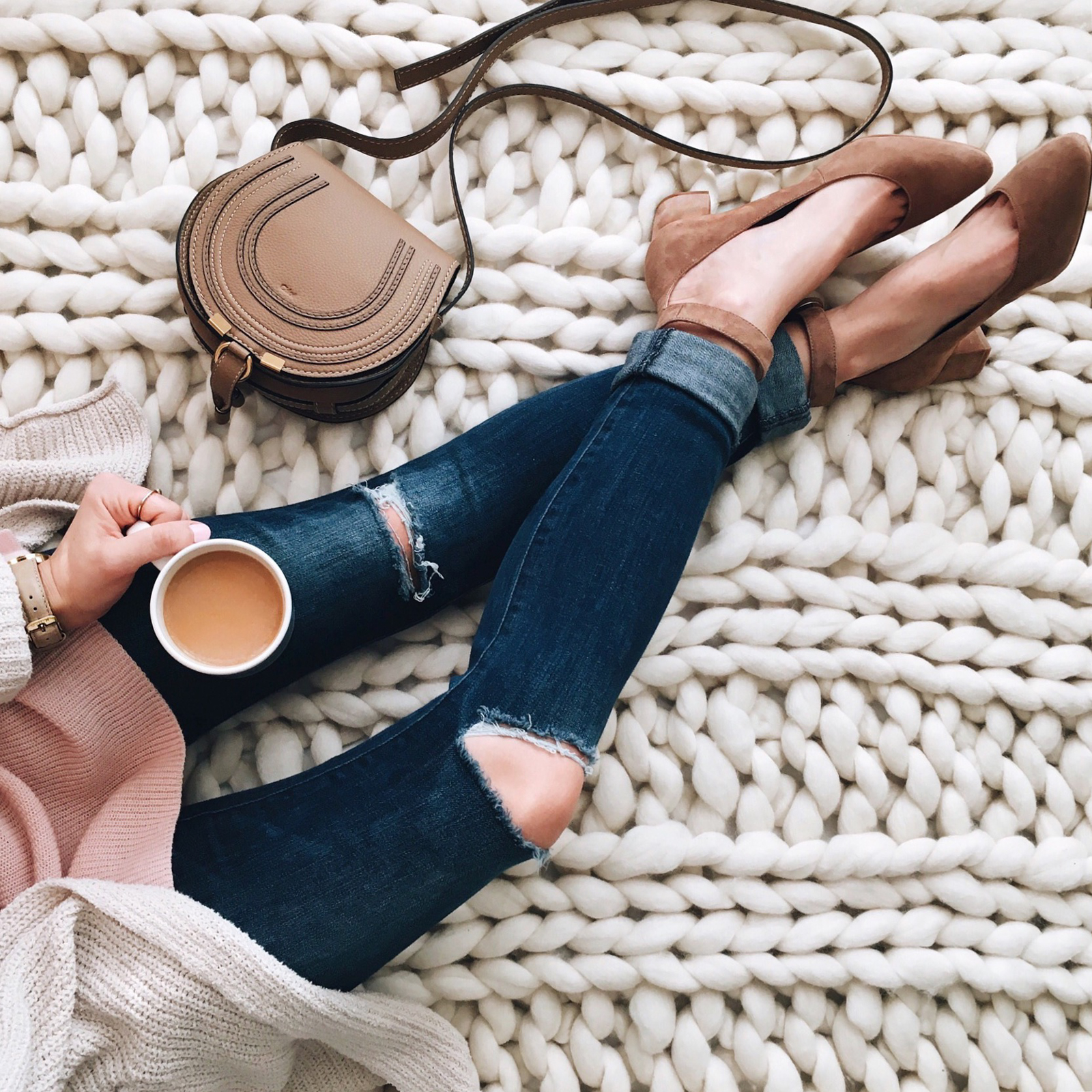 livvyland-blog-olivia-watson-instagram-roundup-austin-texas-cozy-winter-outfit-coffee-cozy-chloe-marcie