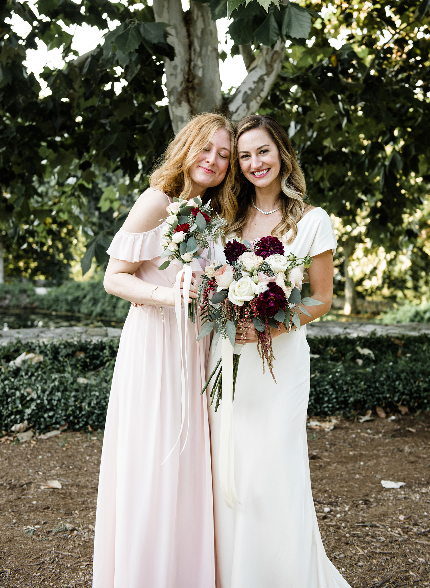 livvyland-blog-olivia-watson-wedding-villa-del-lago-austin-texas-fall-blush-burgundy-classic-romantic-2