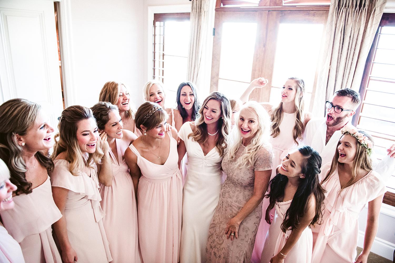 livvyland-blog-olivia-watson-wedding-villa-del-lago-austin-texas-fall-blush-burgundy-classic-romantic-5