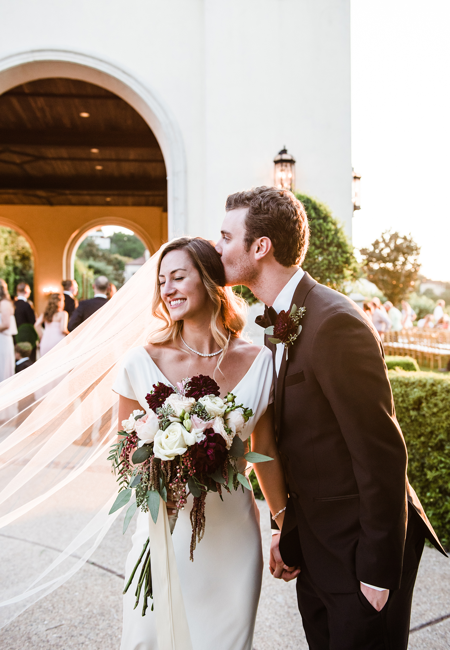 livvyland-blog-olivia-watson-wedding-villa-del-lago-austin-texas-fall-blush-burgundy-classic-romantic-after-ceremony
