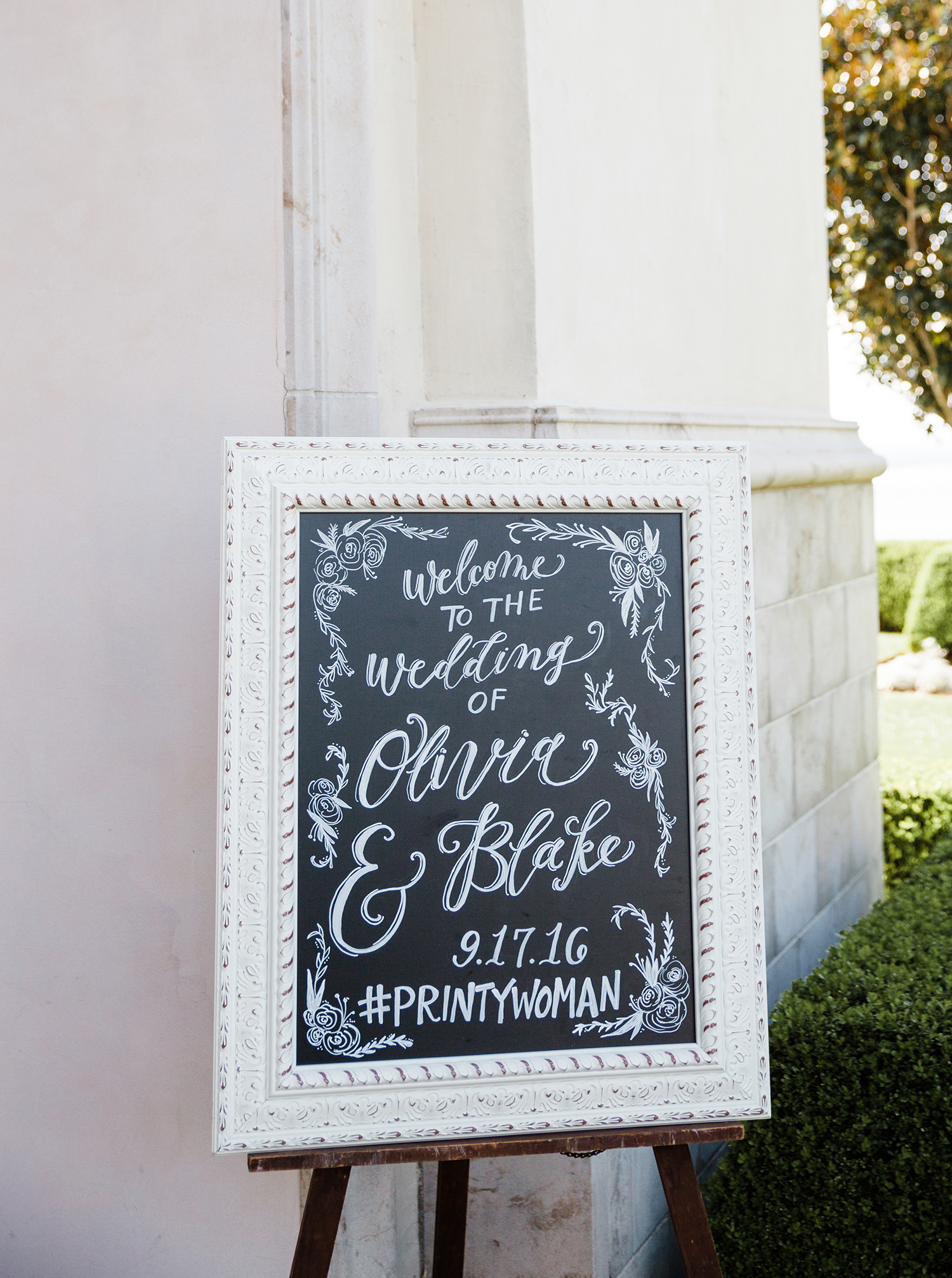 livvyland-blog-olivia-watson-wedding-villa-del-lago-austin-texas-fall-blush-burgundy-classic-romantic-chalkboard-greeting-exquisite-squid