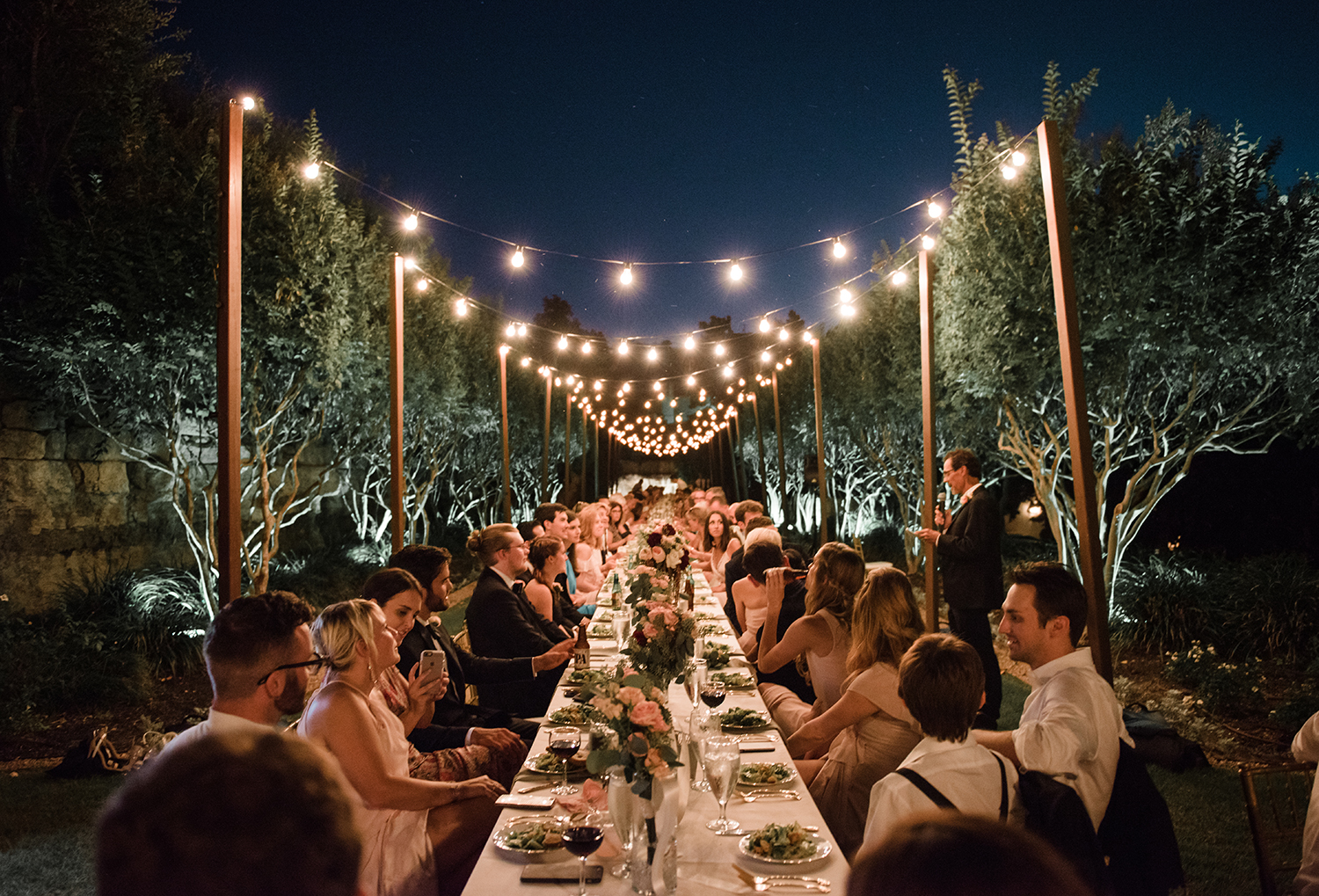 livvyland-blog-olivia-watson-wedding-villa-del-lago-austin-texas-fall-blush-burgundy-classic-romantic-farm-table-festoon-lighting-1