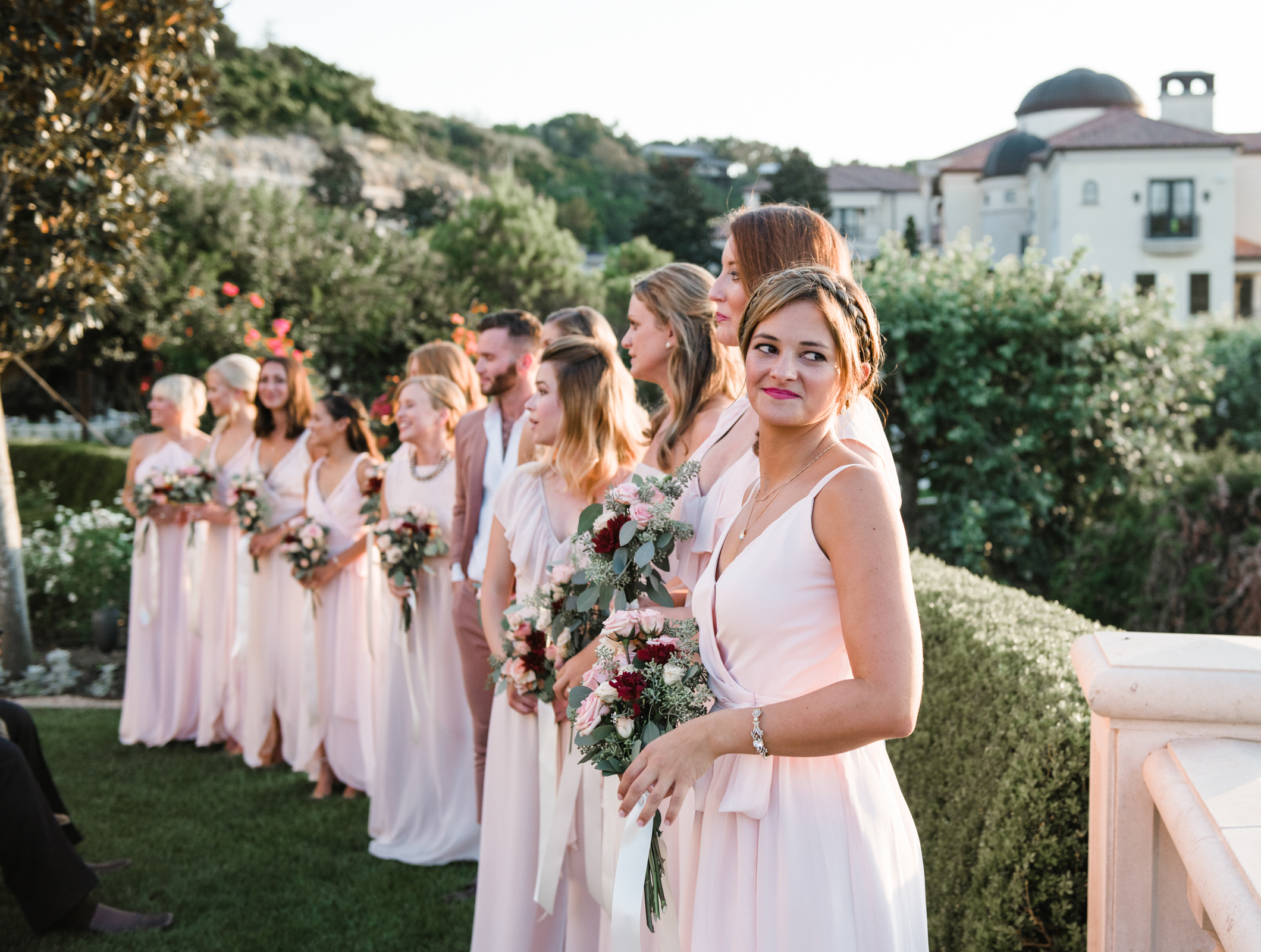 livvyland-blog-olivia-watson-wedding-villa-del-lago-austin-texas-fall-blush-burgundy-classic-romantic-maid-of-honor-altar
