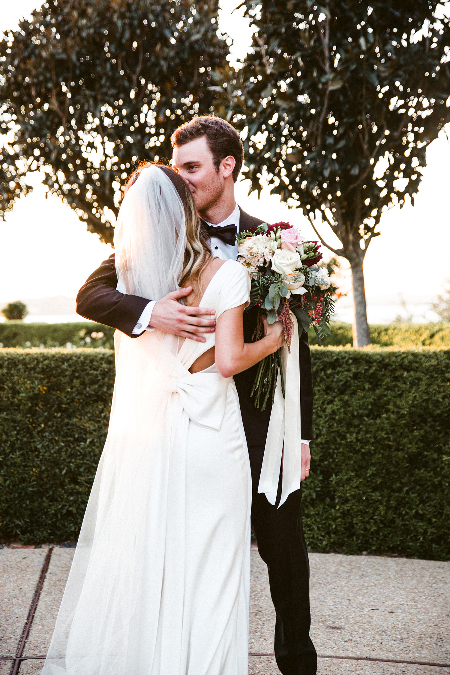 livvyland-blog-olivia-watson-wedding-villa-del-lago-austin-texas-fall-blush-burgundy-classic-romantic-wife-groom-love